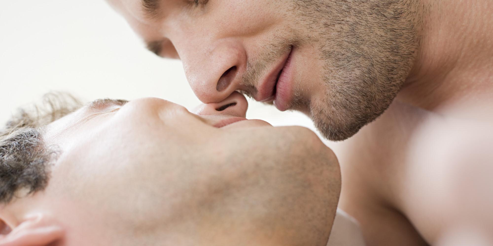 GAY-MEN-KISSING-Adam4Adam