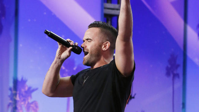 Music : Brian Justin Crum Covers Adele & Cher