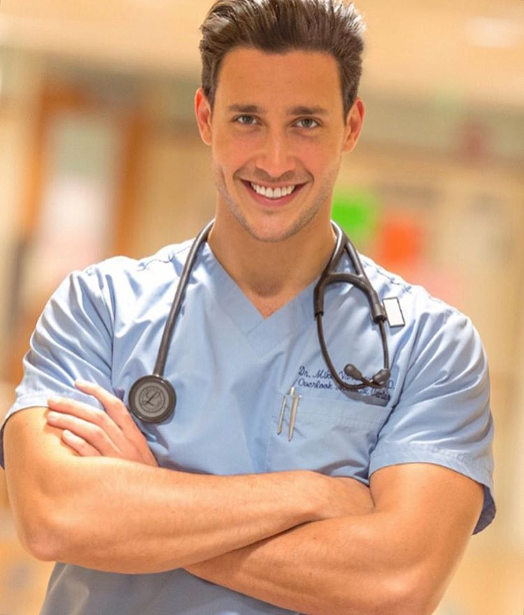 Hottie of the Day: Doctor Mike