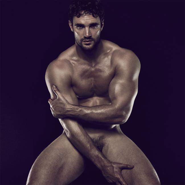 Hottie of the Day: Ex-rugby Player Thom Evans, Goes Naked