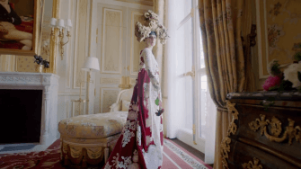 Fashion: Celine Dion Rocks Couture in Vogue Video