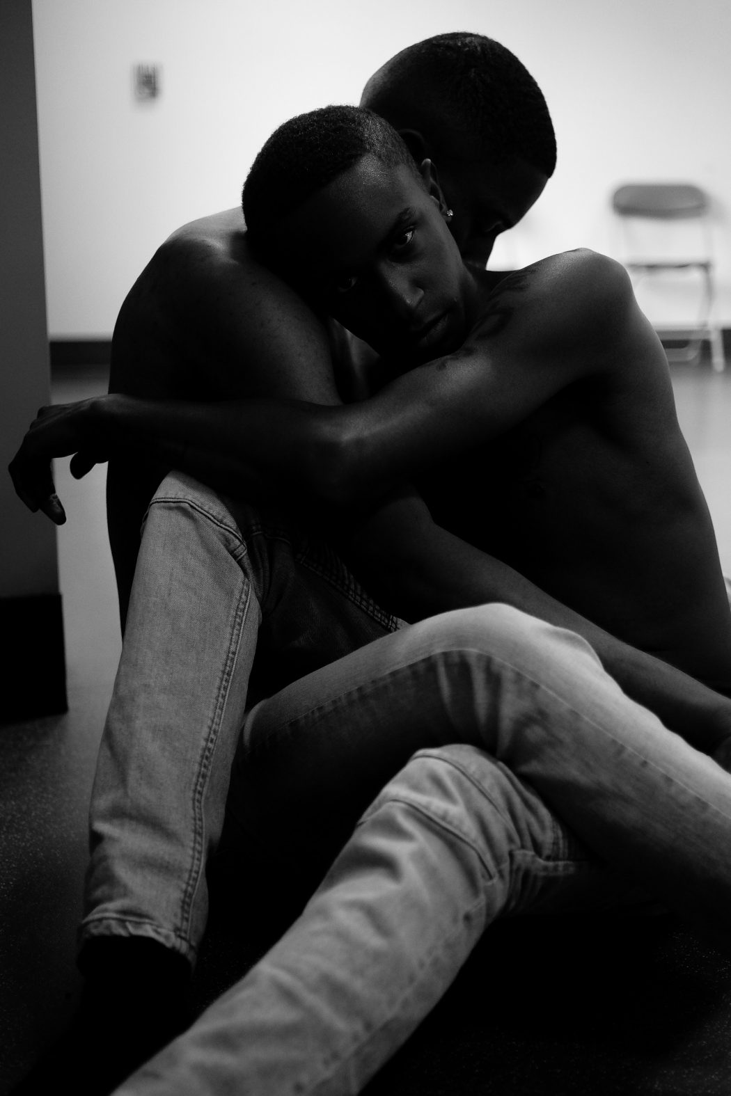 affection-black-and-white-embrace-1149361